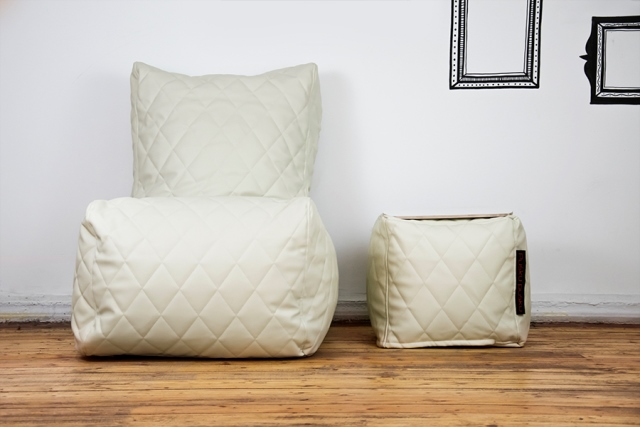 Fantastic How To Choose A Bean Bag Pusku Pusku Bean Bags Alphanode Cool Chair Designs And Ideas Alphanodeonline